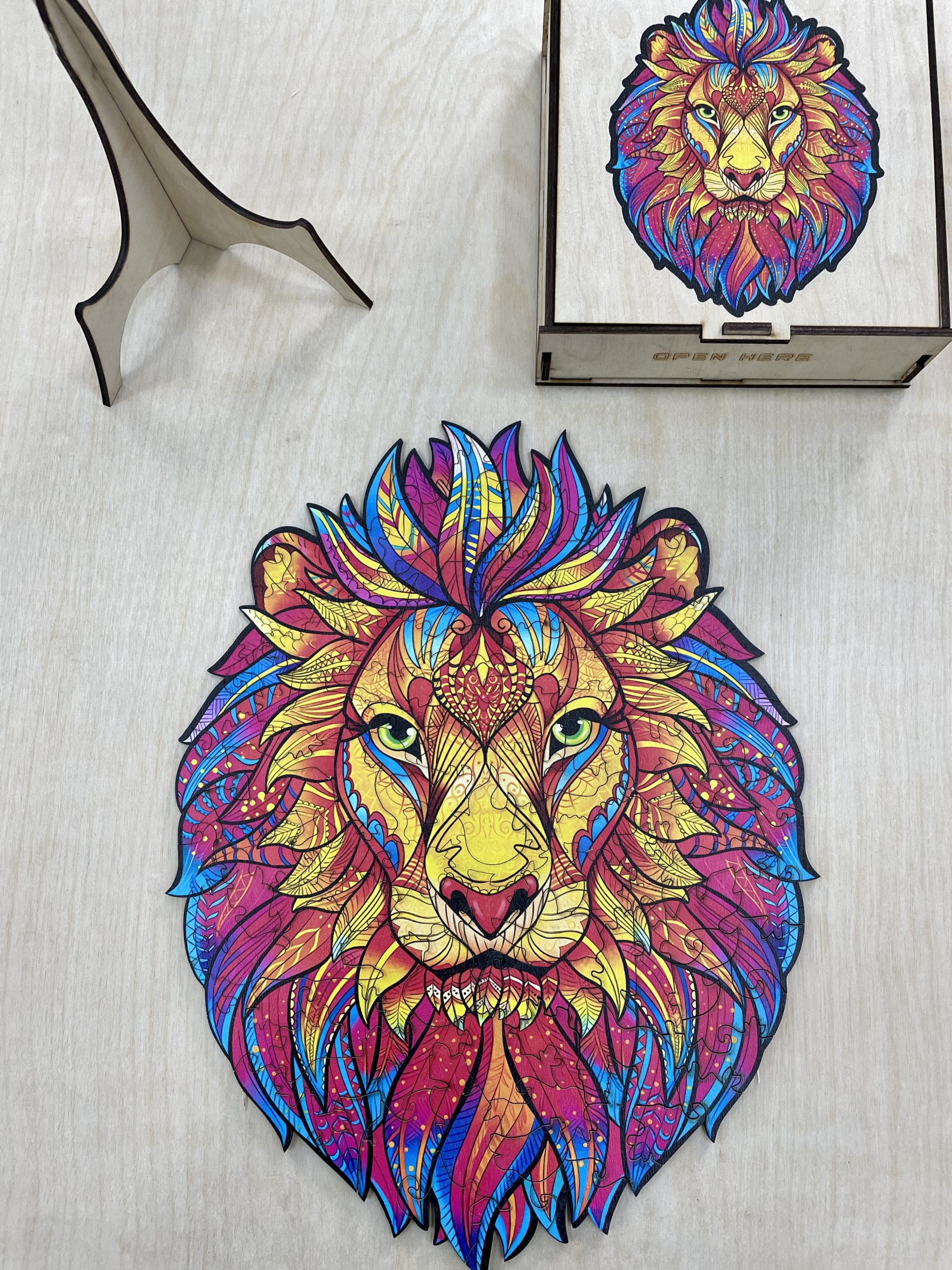 Mysterious Lion Freestyle wooden Puzzle